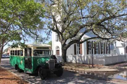 Hop On Hop Off Pensacola Bus Tour