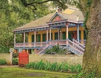 Small Group Tour of Laura Plantation with Transportation from New Orleans Hotels