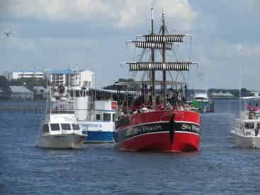 Pirate Battle & Flotilla on the Grand Lagoon