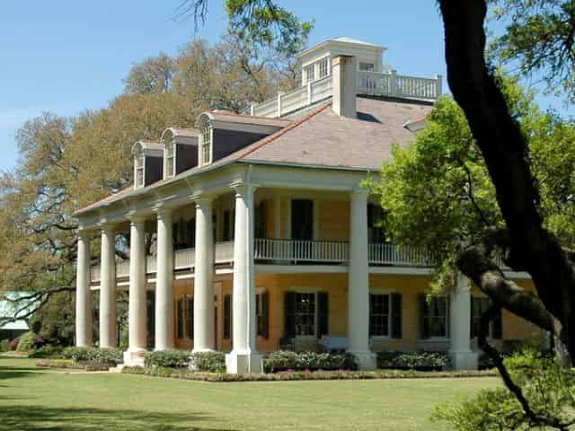 houmas house plantation with stunningly scenic view