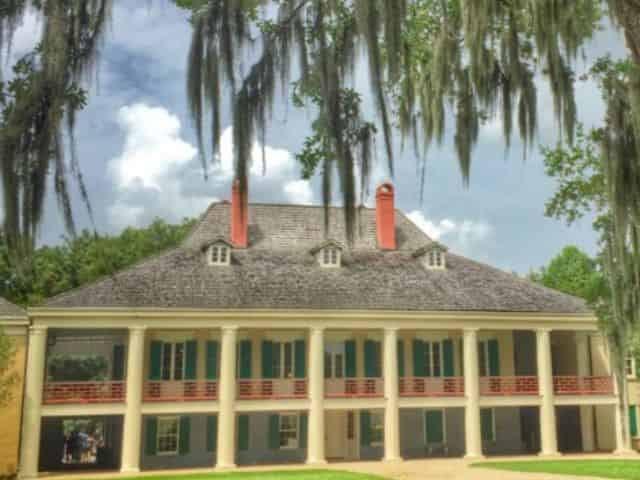 destrehan plantation estate home on a sunny day