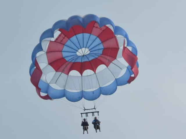 married couple parasailing in florida keys