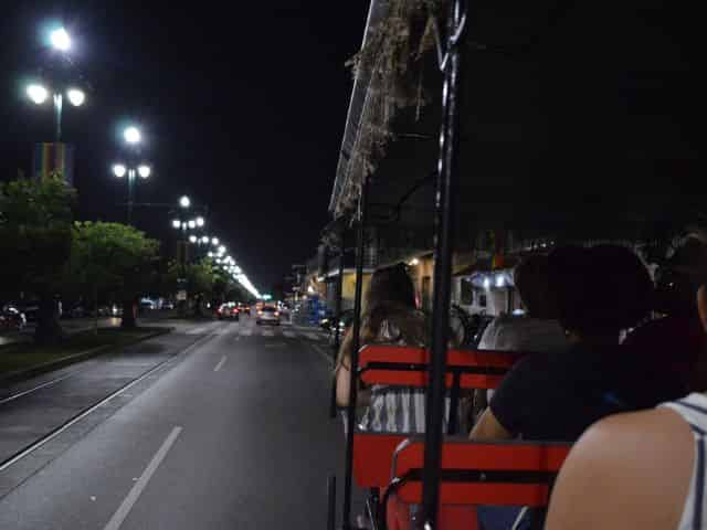 new orleans french quarter ghost tour at night