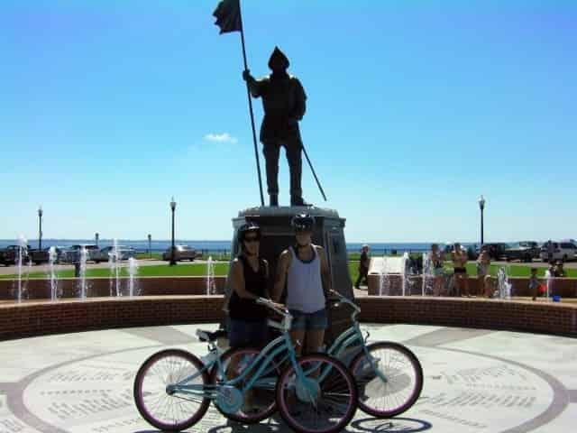 tourists on a pensacola florida bike tour