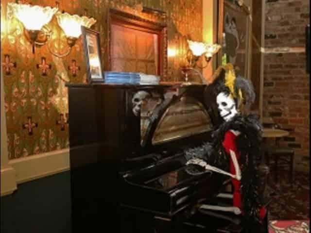 haunted pub crawls in new orleans
