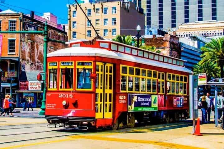 5 Best Ways to See New Orleans - River Boat, Carriage & MORE