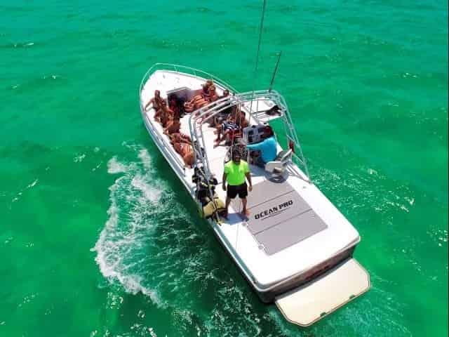 parasail boat in destin florida