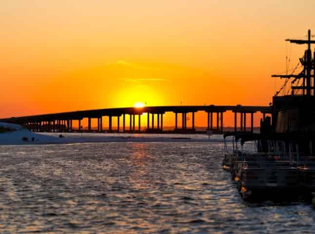 destin sunset in the harbor