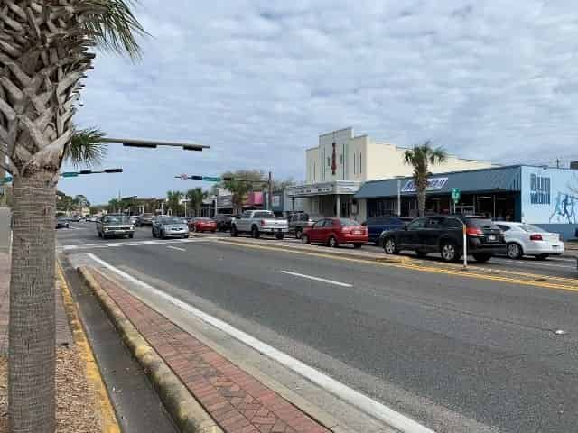 shopping and dining in downtown Fort Walton Beach