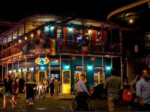 frenchmen street in new orleans