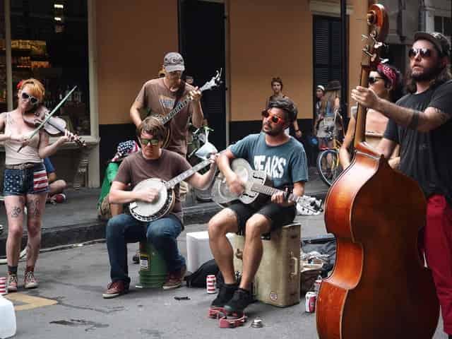 street performers in new orleans