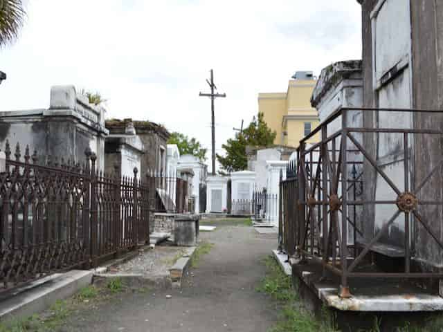 st louis cemetery no 1 in nola