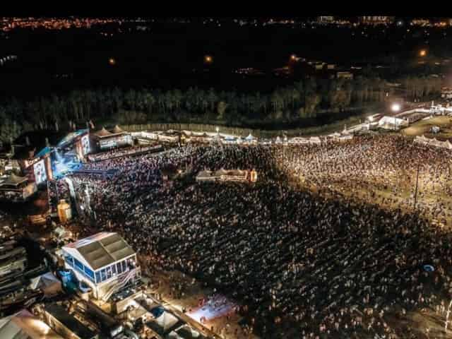 aerial view of crowds at gulf coast jam