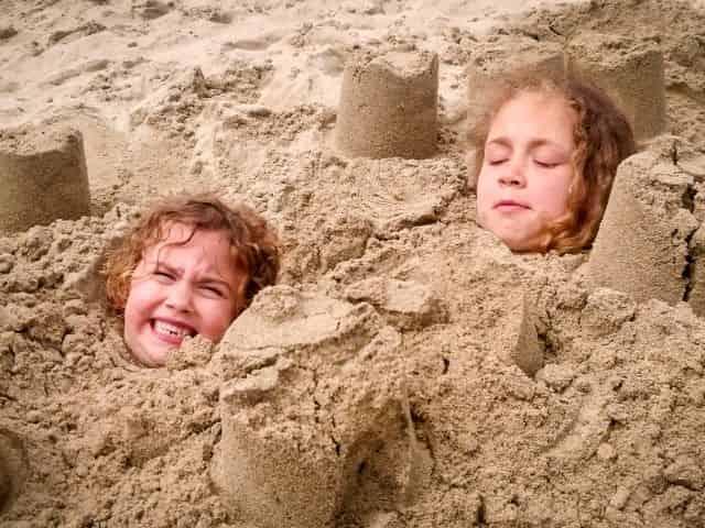 toursits enjoying the beach