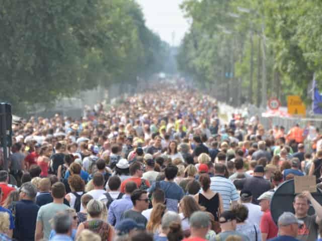 large crowd amidst coronavirus scare