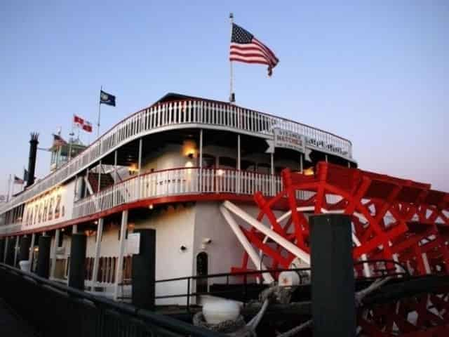 New Orleans dinner cruise aboard the Natchez