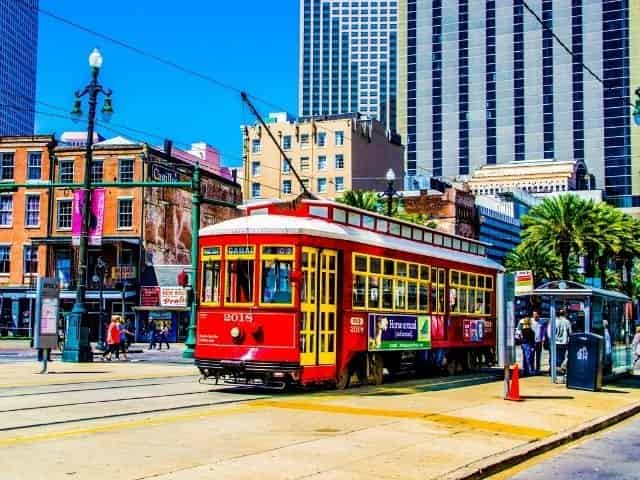 City tour by trolley in New Orleans, LA