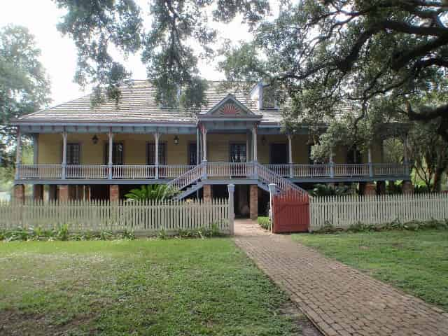 laura plantation home in southern louisiana