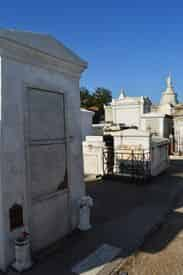 Saint Louis Cemetery #1 Small Group Tour