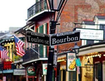 NOLA Drunken History Walking Tour