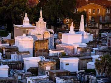 Voodoo & Cemetery Tour by New Orleans Ghost Adventures