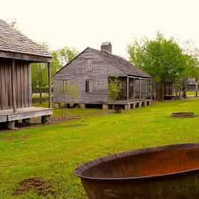 Whitney & St Joseph Double Plantation Tour with Transportation from New Orleans