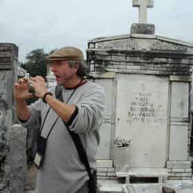 Garden District & Cemetery Combo Tour By French Quarter Phantoms