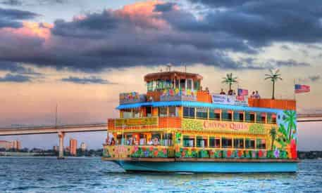 Tropical Twilight Cruise with Optional Buffet Aboard the Calypso Queen