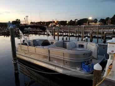 8 Hour Pontoon Boat Rental from Fort Walton Beach