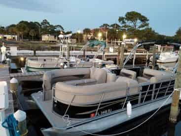 4 Hour Pontoon Boat Rental from Fort Walton Beach