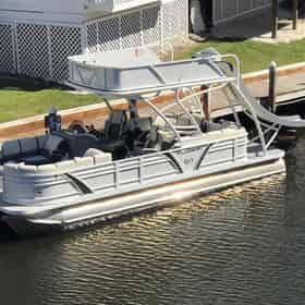 All-Inclusive Captained Pontoon Charter with Destin Pontoon Charters