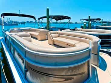 Destin Pontoon & Jet Ski Package with Gilligan's Watersports