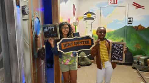 Underwater Escape Room at Hint Hunters