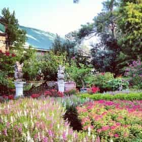 Houmas House & Gardens Admission & Guided Tour with Transportation from New Orleans Hotels