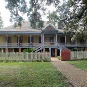 Oak Alley & Laura Plantations Combo Tour with Transportation from New Orleans Hotels & B&Bs