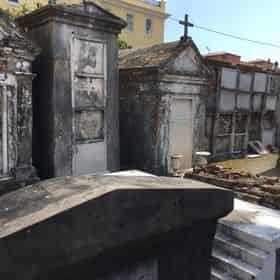 St Louis Cemetery #1 History Tour with Haunted History Tours