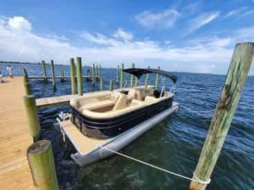24 Ft Pontoon Rental with Fort Walton Beach Watersports