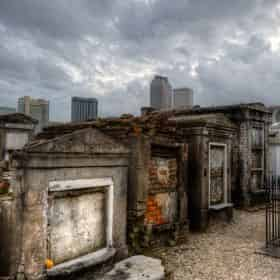 Destined To Be Different: Garden District & Lafayette Cemetery Combo Tour