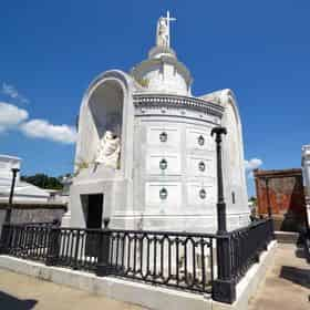 St. Louis Cemetery No. 1 & Voodoo Tour in New Orleans