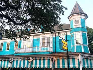 New Orleans Garden District Architecture Tour