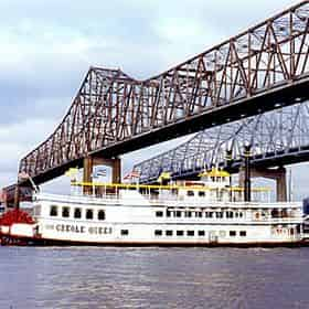 Creole Queen Historic Mississippi River Cruise & Battlefield Tour