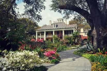 San Francisco & Houmas House Plantation Combo Admission & Guided Tour with Optional Lunch