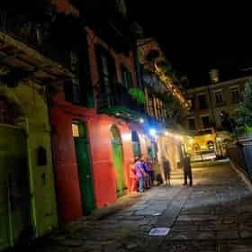 Ghosts And Spirits Night Time Walking Tour By Grayline New Orleans