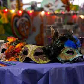 Mardi Gras World Admission & Guided Tour With Complimentary Shuttle Transportation