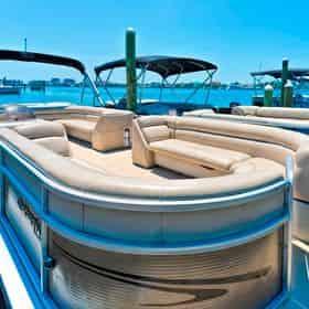 Destin Pontoon Boat Rental with Gilligan's Watersports