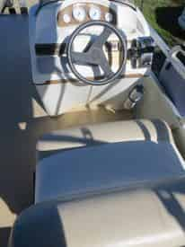 20 ft. Pontoon Boat Rental (10 Passengers)