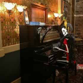 Haunted Pub Crawl Tour By Haunted History Tours